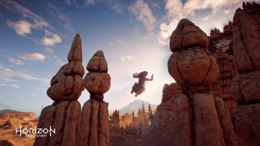 Aloy jumping from one ledge to another in Horizon Zero Dawn